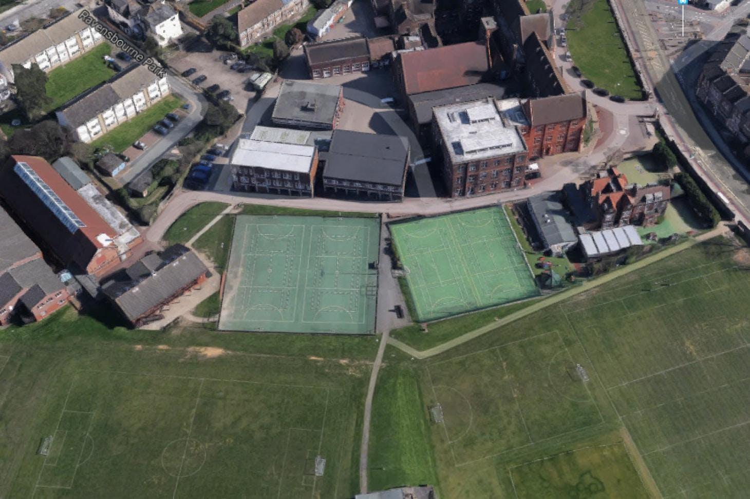 St Dunstan's College (St Dunstan's Enterprises) Outdoor | Hard (macadam) tennis court
