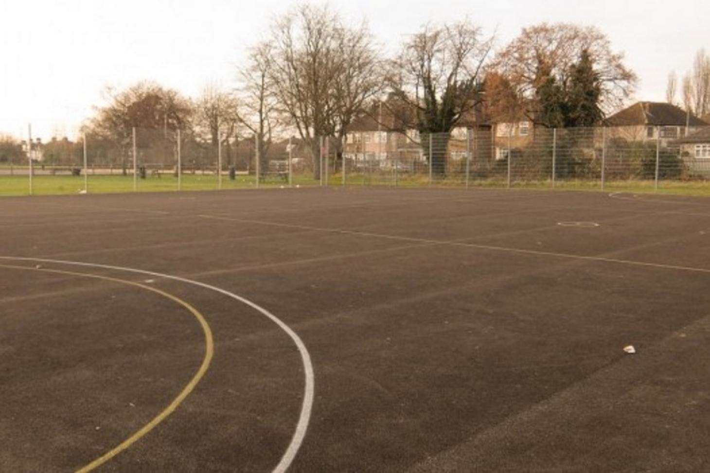 Harris Academy Rainham Outdoor | Hard (macadam) basketball court