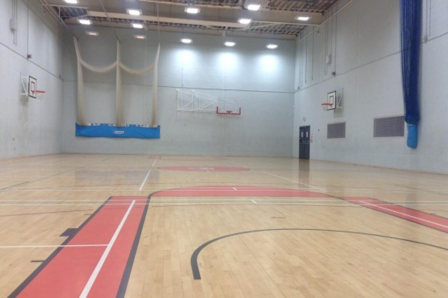 Northfleet Technology College Nets   Sports hall cricket facilities