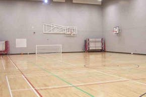 Thamesview School | Indoor Football Pitch