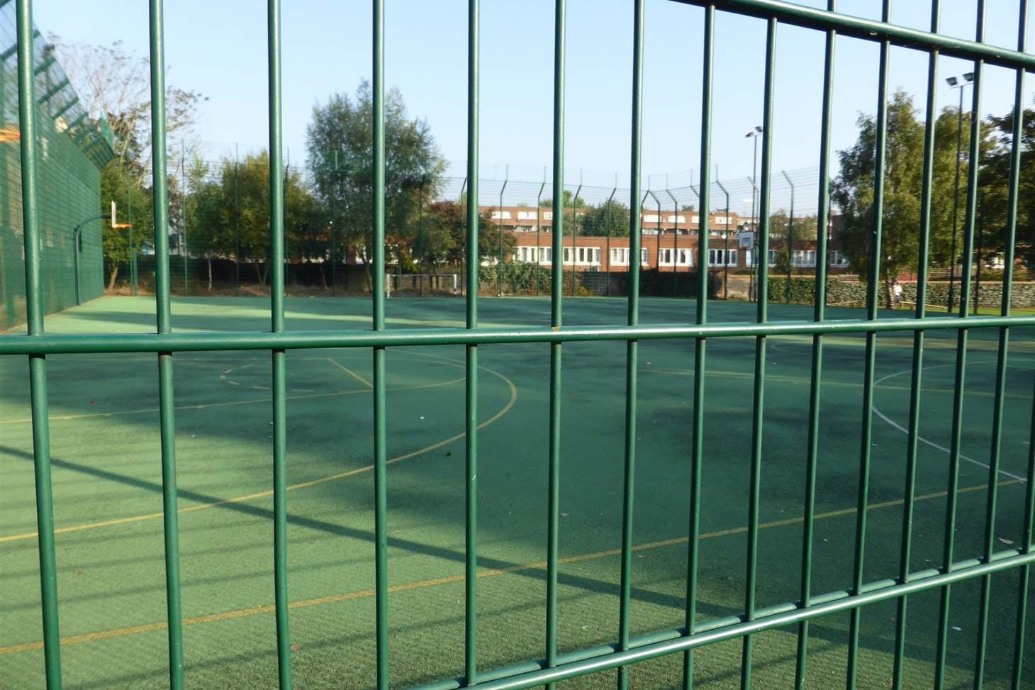 Kilburn Grange Outdoor | Hard (macadam) basketball court
