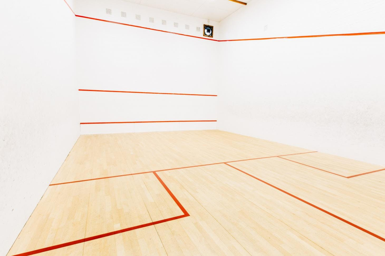 Swan Pool and Leisure Centre Indoor | Hard squash court