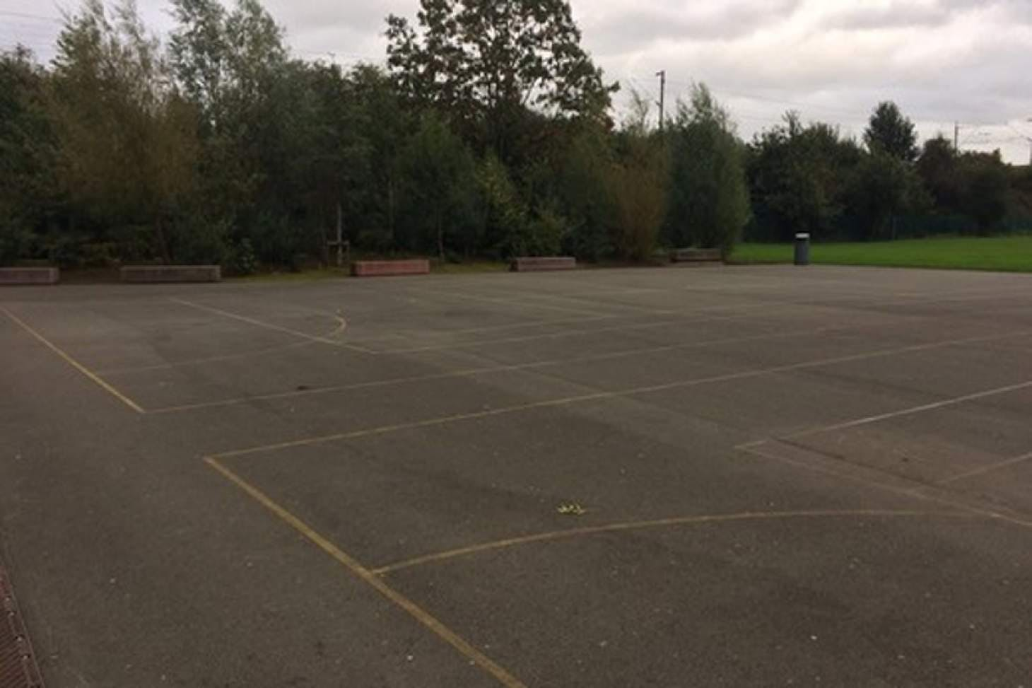The Barlow RC High School Outdoor | Concrete netball court