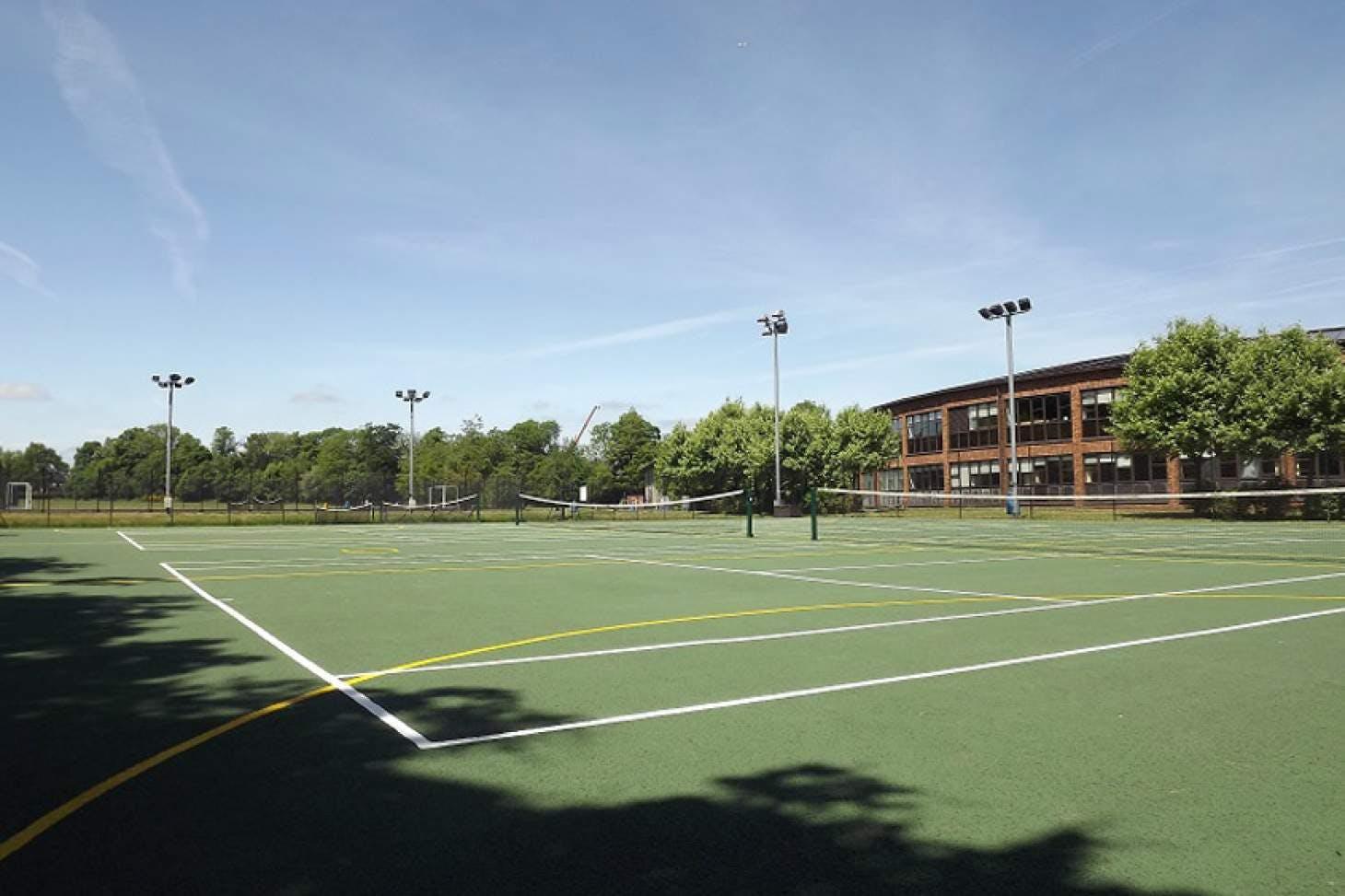 Dr Challoner's High School Outdoor | Hard (macadam) netball court