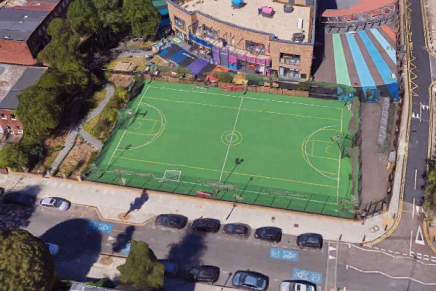 Canary Wharf MUGA 6 a side | Astroturf football pitch
